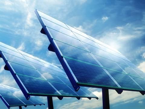Η Σαουδική Αραβία στρέφεται στην ηλιακή ενέργεια
