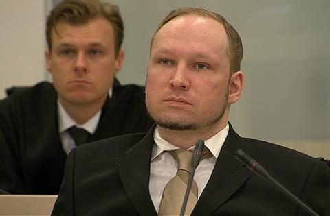 Δίκη Μπρέιβικ: Σώθηκε κρυμμένη κάτω από πτώματα