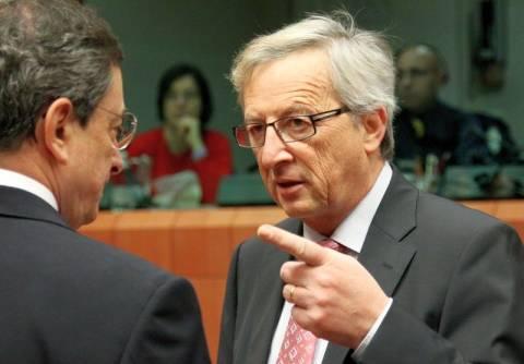 Spiegel: «Θέλουν την Ελλάδα εκτός ευρώ» δήλωσε ο Γιούνκερ