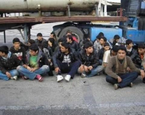 Eπαναπατρίζονται 4.000 μετανάστες