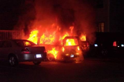 Φωτιά σε πέντε οχήματα στην Αττική