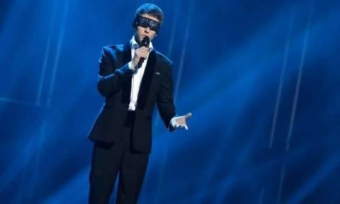 Eurovision 2012: Με δεμένα μάτια ο Λιθουανός
