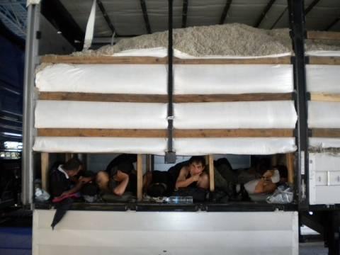 Σύλληψη 70 λαθρομεταναστών στου Ρέντη