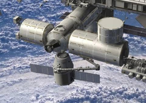 Στο Διεθνή Διαστημικό Σταθμό το Dragon