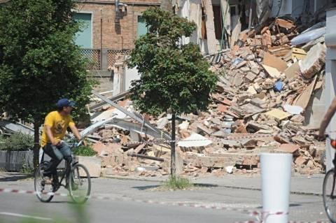 Η γη συνεχίζει να τρέμει στην Ιταλία (φωτο-βίντεο)