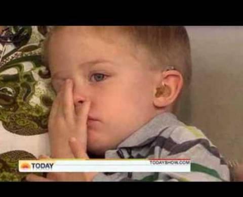 Βίντεο: Δείτε το παιδάκι που οι μύες του γίνονται κόκαλα