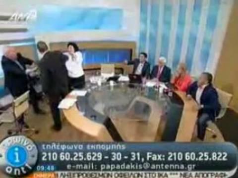 Ο Κασιδιάρης χαστούκισε την Κανέλλη: χαμός στο Twitter