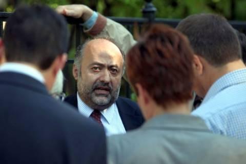 Καταδικάζει η κυβέρνηση την επίθεση Κασιδιάρη κατά Κανέλλη-Δούρου