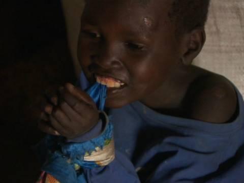 Ασθένεια στην Αφρική κάνει τα παιδιά «ζόμπι» (vid)