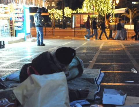 El Pais: Η αλήθεια για την Ελλάδα είναι μία: Ή ευρώ ή χάος!