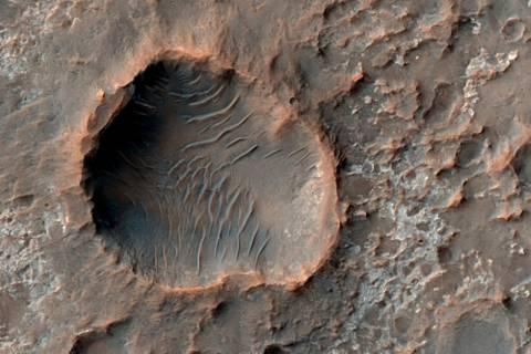 Μετρήθηκαν οι κρατήρες του Άρη
