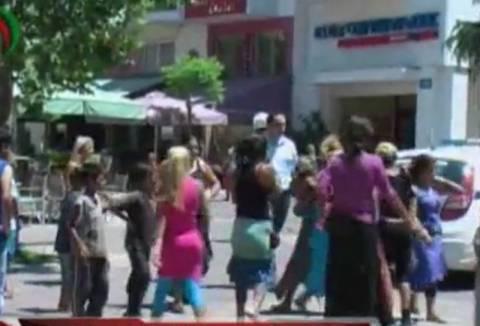 Βίντεο: Οικογένειες αθίγγανων τσακώθηκαν στο Δικαστικό Μέγαρο Πύργου
