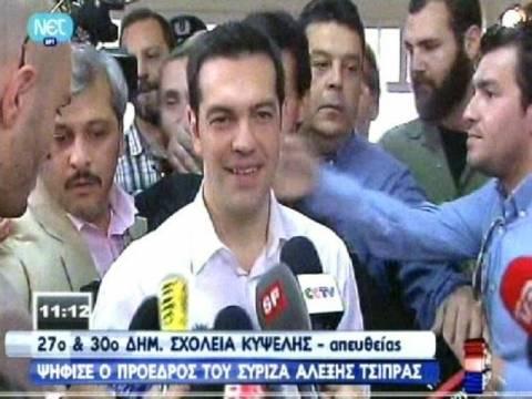 Βουλευτικές εκλογές 2012: Ψήφισε ο Αλέξης Τσίπρας (vid)