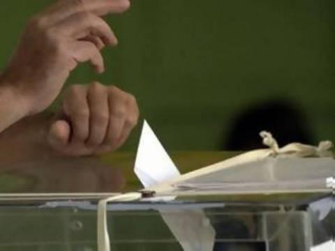 Βουλευτικές εκλογές 2012: Επίθεση σε εκλογικό κέντρο