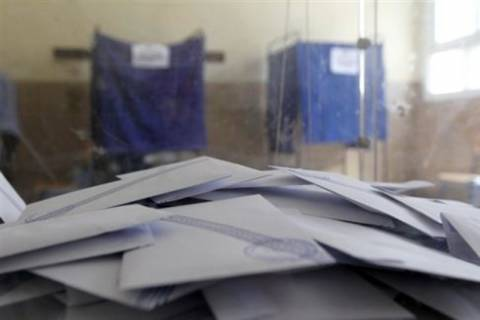 Βουλευτικές εκλογές 2012: Υπό κράτηση εκλογική αντιπρόσωπος της ΝΔ
