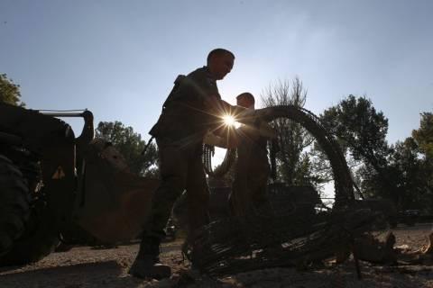 Έριξαν χειροβομβίδες σε ΝΑΤΟικό στρατόπεδο στο Κόσοβο