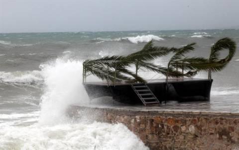 Συνεχίζονται οι θυελλώδεις άνεμοι και την Τετάρτη