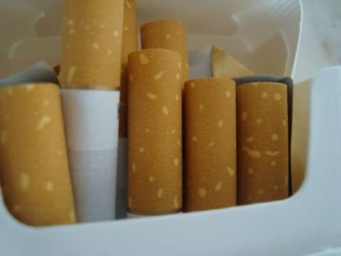 Τους «τσάκωσαν» με 1.020 πακέτα λαθραίων τσιγάρων