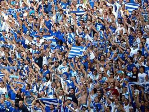 Ελλάδα – Γερμανία: Τα συνθήματα των Ελλήνων για την Μέρκελ (vids)