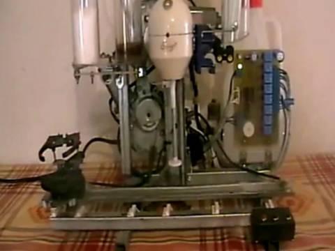 Βίντεο: Η πρώτη αυτόματη μηχανή παρασκευής frappe είναι γεγονός!