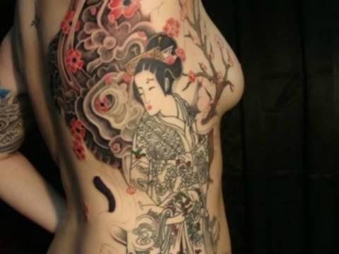 12 υπερβολικά μεγάλα τατουάζ (pics)