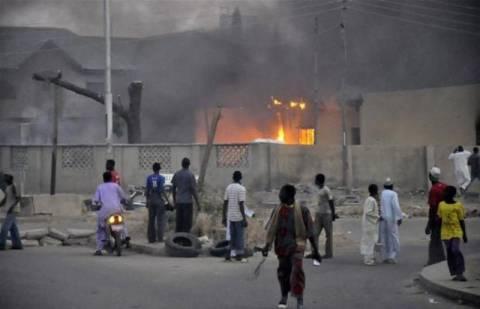 Νιγηρία: Βίαιες συγκρούσεις έπειτα από επιθέσεις σε αστυνομικά τμήματα