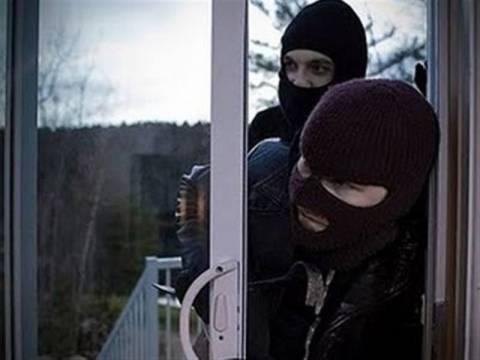 Ένοπλη ληστεία σε σπίτι στη Σαρωνίδα
