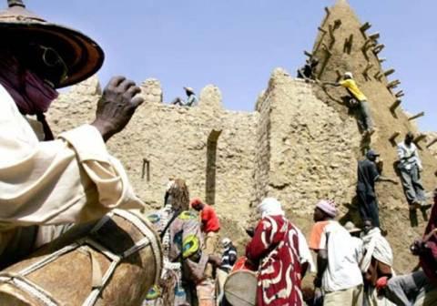Οι ισλαμιστές συνεχίζουν τις καταστροφές στο Μάλι