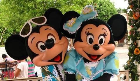 Walt Disney: Απαγορεύει τη διαφήμιση των fast food