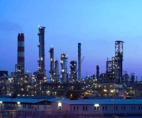 DW: Πλήγμα για την Ελλάδα η διακοπή εισαγωγής πετρελαίου από Ιράν