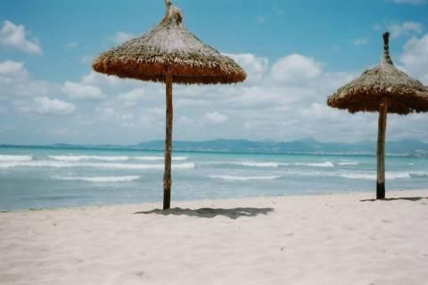 Ο τουρισμός μείωσε την ανεργία στην Ισπανία