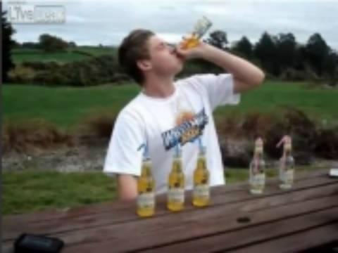 Τι συμβαίνει αν πιείς 6 μπύρες σε 2 λεπτά; (vid)