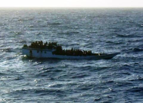 Πλοίο με 162 μετανάστες εξέπεμψε SOS νότια της Ινδονησίας