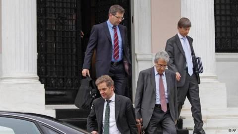 WSJ: Βλέπει πιθανή ρήξη κυβέρνησης-Τρόικας