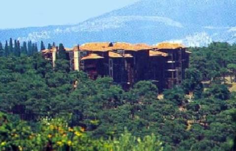 Αδυνατεί το Φανάρι να επισκευάσει το Ορφανοτροφείο Πριγκήπου