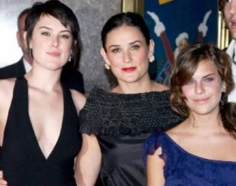 Demi Moore: Οι κόρες της δεν θέλουν καμία σχέση μαζί της