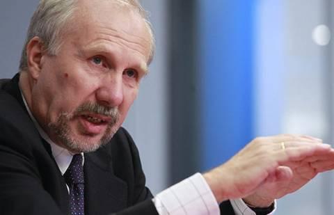Ο Νοβότνι ανησυχεί για την Ελλάδα