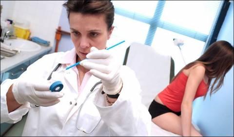 Ο εμβολιασμός και το τεστ Παπ σώζουν από τον καρκίνο
