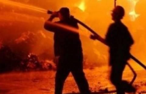 Σε εξέλιξη πυρκαγιά στη Λάρισα