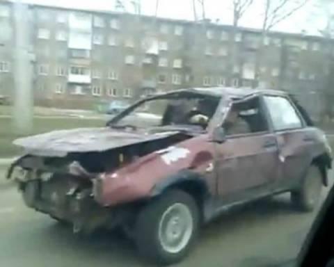 Βίντεο: Κι όμως... Αυτός ο «χάρος» κυκλοφορεί στους δρόμους!