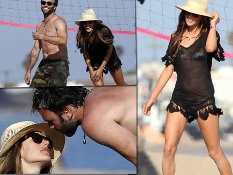 Αναστάτωσε τον ανδρικό πληθυσμό παίζοντας beach volley