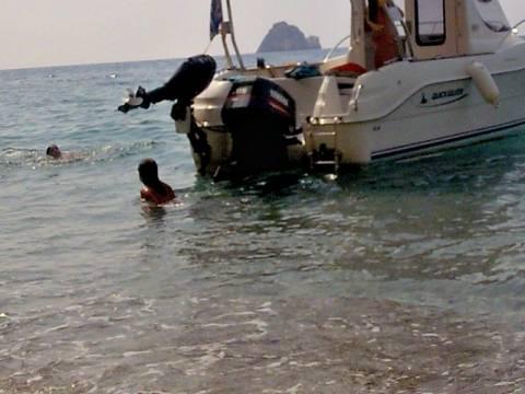 Σε κρίσιμη κατάσταση 6χρονη που τραυματίστηκε από προπέλα σκάφους