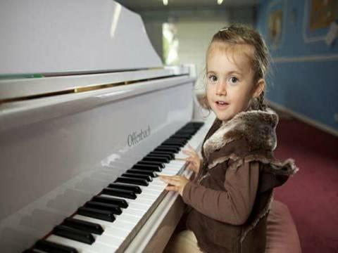 Απίστευτο: «Δεσποινίς Μότσαρτ» 2 ετών!