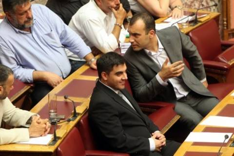 Χρυσή Αυγή: Λάτρης του Άουσβιτς ο νέος βουλευτής (VIDEO)