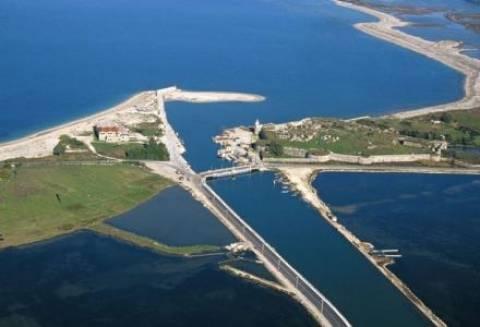 Προσάραξη τουριστικού σκάφους στη Λευκάδα