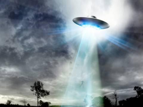 Αόρατα UFO κάνουν βόλτες καθημερινά...(βίντεο)