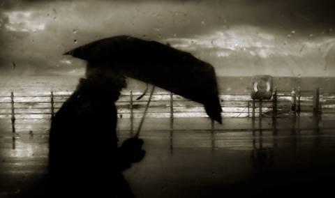 Καύσωνας με βροχές το Σάββατο