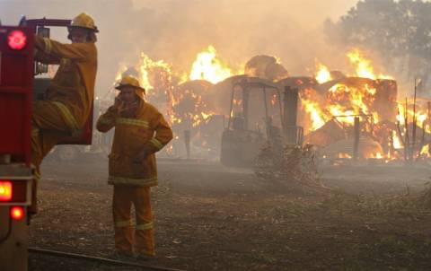 ΤΩΡΑ: Πυρκαγιές σε Ρέθυμνο, Αρκαδία και Κορινθία