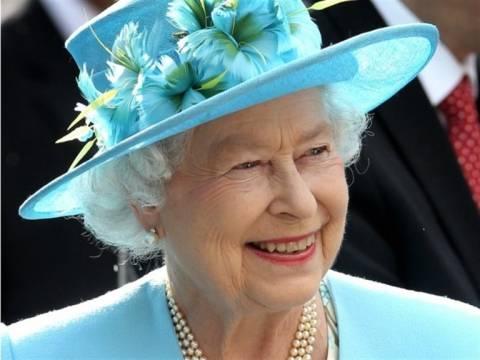 Τελετή έναρξης Ολυμπιακών Αγώνων: Η βασίλισσα κόβει τα... πετσάκια της