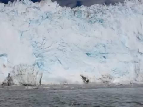 Απίστευτο βίντεο: Τσουνάμι από πάγο!